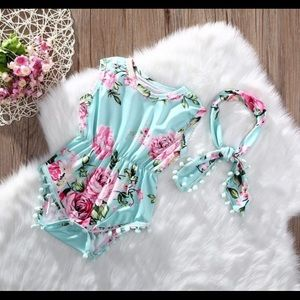 New adorable floral Romper And Headband